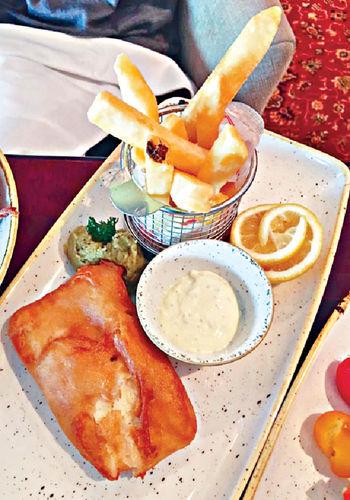 Golden Lion Pub的炸魚薯條