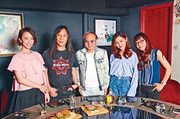 ■J.Arie、導演邱禮濤、衛詩雅和編劇李敏,在英皇電影《原諒他77次》中合作愉快。