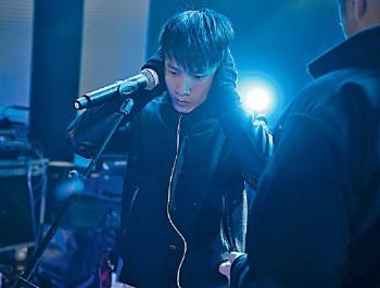 ■Jason為了今次演唱會專登買了新咪練歌。