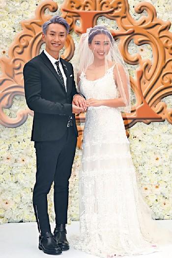 ■7月,Jason正式成為人夫,跟模特兒符曉薇成婚。