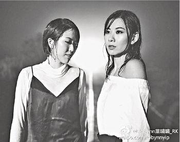 ■年中R&K推出新歌《負攝石》及《無敵》,造型跟以往有很大的不同。