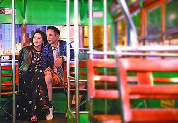 ■片中,華哥與嘉玲這對初戀情人,浪漫遊電車河。